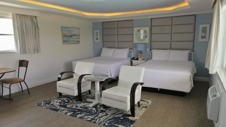Spacious Rooms with 2 Queen Beds
