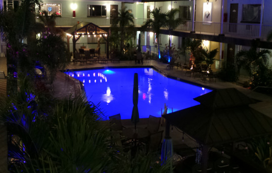 The Island House Resort Hotel - Pool At Night